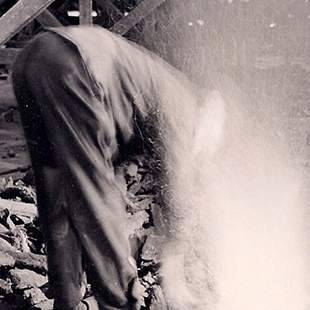 Brenner bei der Arbeit - Historie