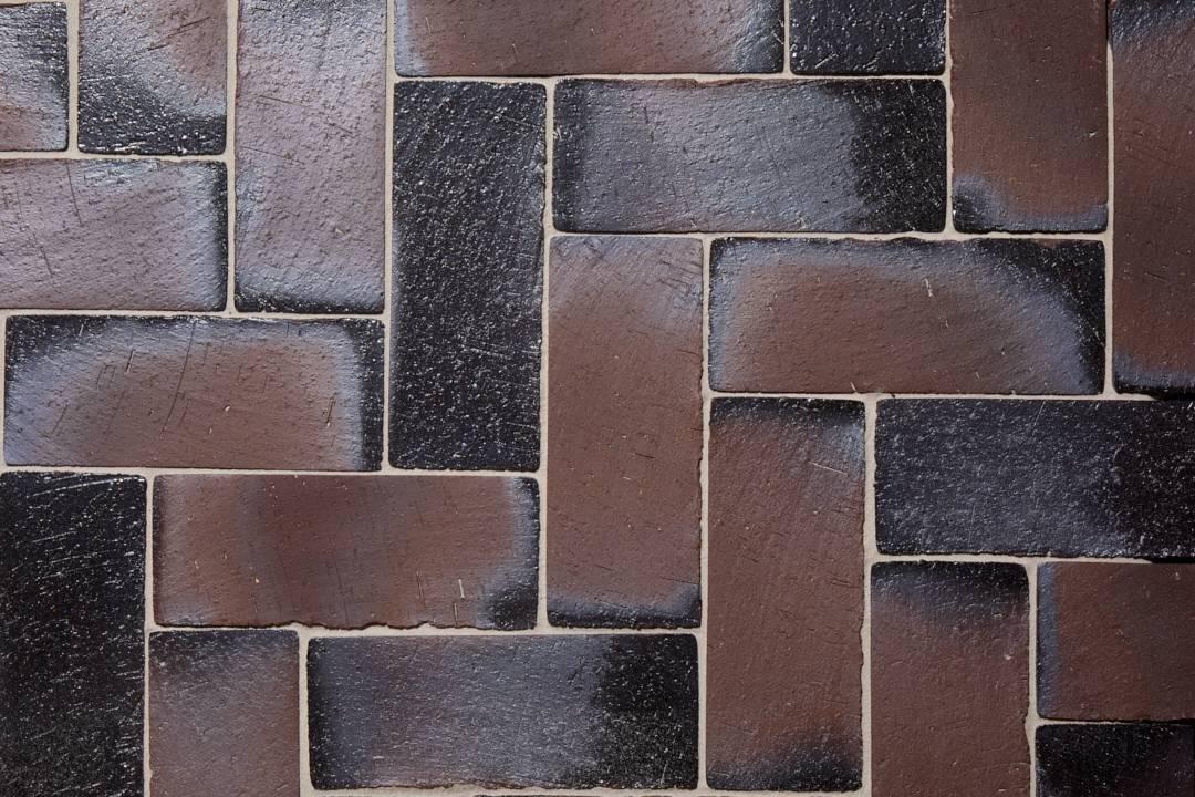 Braunviolett Profil ohne Fase flach verlegt 290x112x52